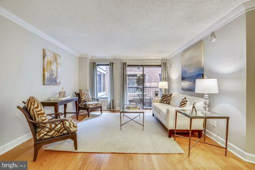 1080 WISCONSIN AVE NW #2020
