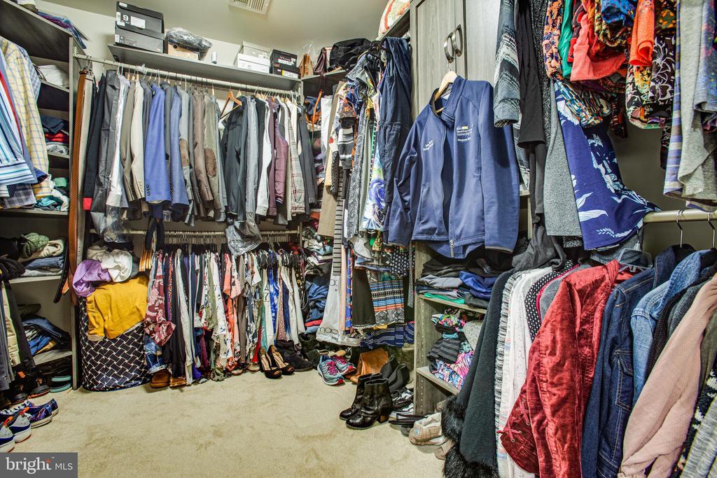 Master closet - 24 IVY SPRING LN, FREDERICKSBURG