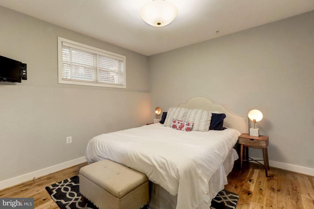 Bedrooms with Hardwood Floors - 1425 11TH ST NW #103, WASHINGTON