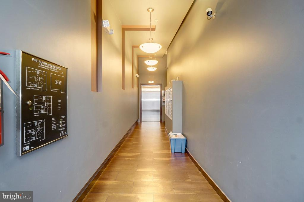 Welcome Lobby with Mailboxes - 1425 11TH ST NW #103, WASHINGTON