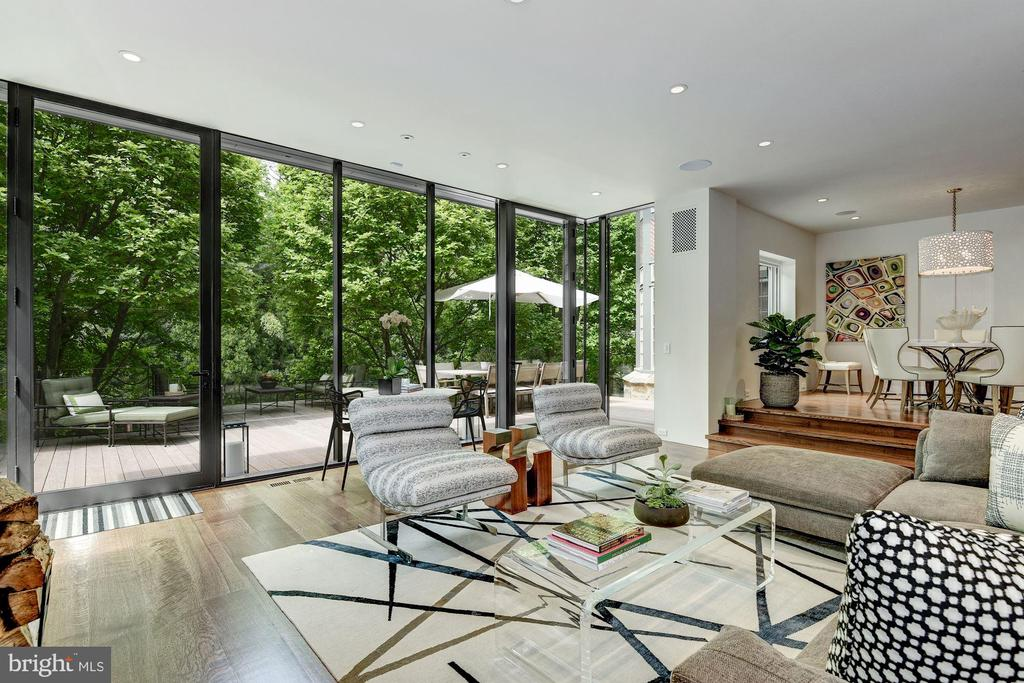 Family Rm w/ Fireplace & floor-to-ceiling windows - 4400 GARFIELD ST NW, WASHINGTON