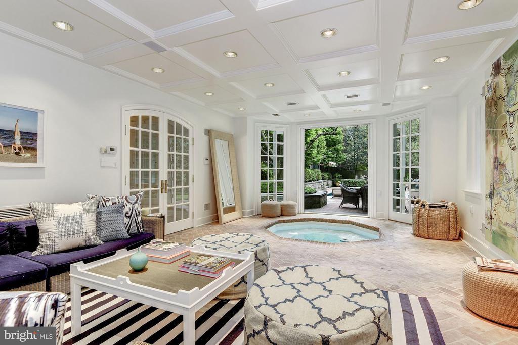 Pool House Spa Room w/ Kitchen & Fireplace - 4400 GARFIELD ST NW, WASHINGTON