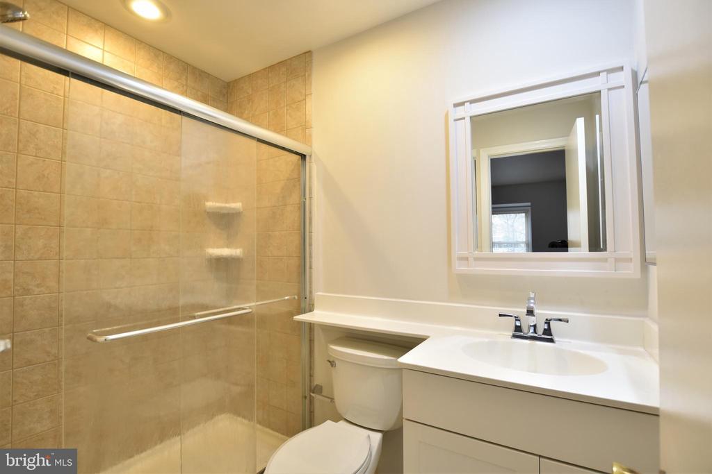 Master Bathroom - 7839 CODDLE HARBOR LN #22, POTOMAC