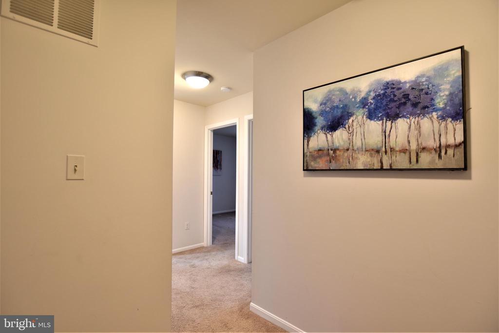 2nd Level Hallway - 7839 CODDLE HARBOR LN #22, POTOMAC