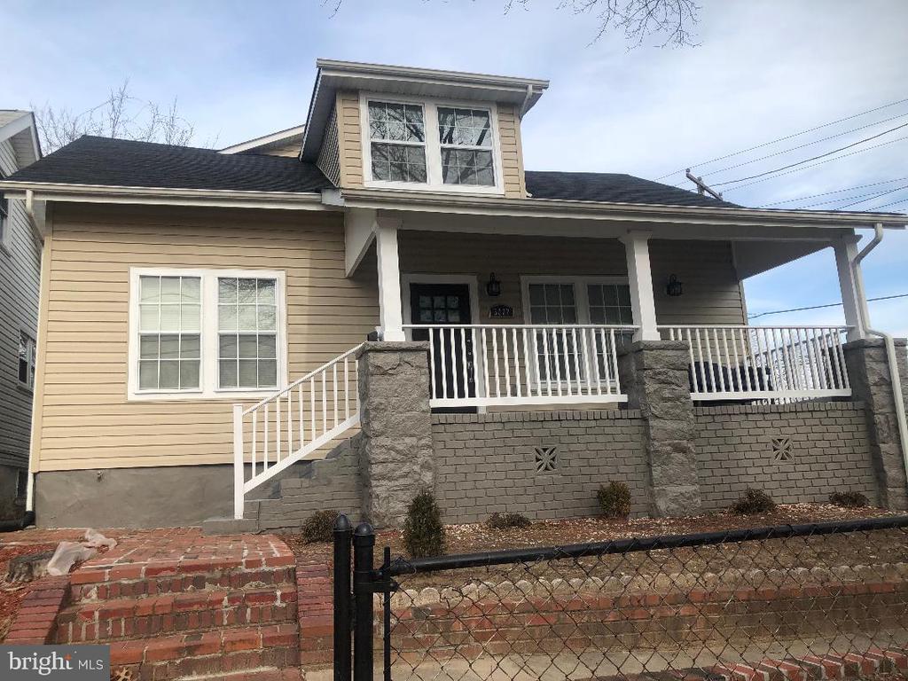 Front of House - 3002 FRANKLIN ST NE, WASHINGTON
