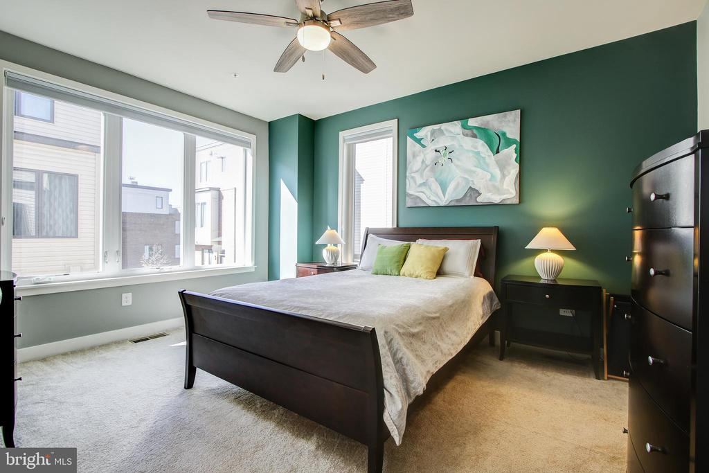 Master Bedroom - 16636 CRABBS BRANCH WAY, ROCKVILLE