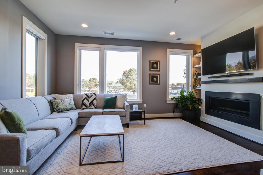 Livingroom - 16636 CRABBS BRANCH WAY, ROCKVILLE