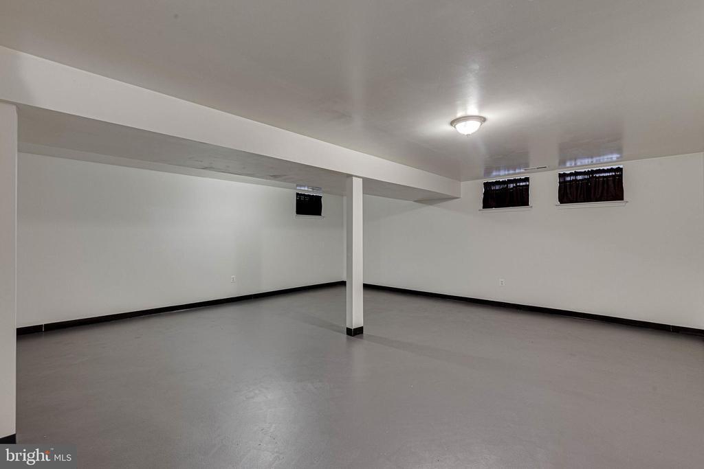 - 9369 HIGHLANDER BLVD, WALKERSVILLE