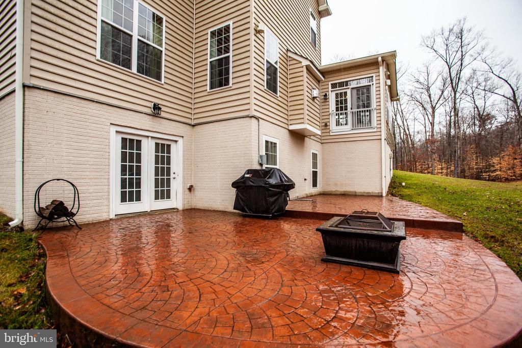 Beautiful patio! - 6 SCARLET FLAX CT, STAFFORD