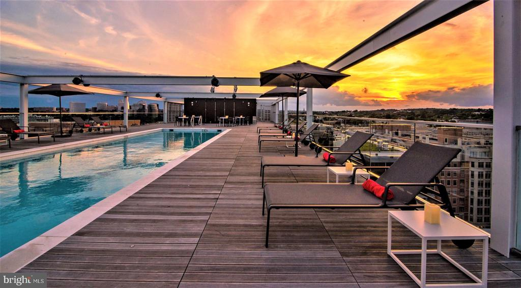 25 Meter Heated Rooftop Pool - 1111 24TH ST NW #23, WASHINGTON
