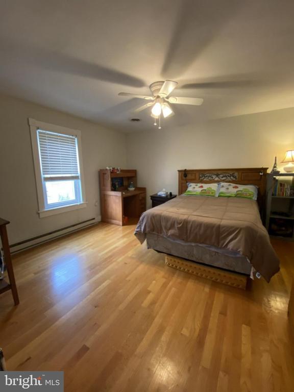 bedroom 3 - 411 E MAIN ST, THURMONT