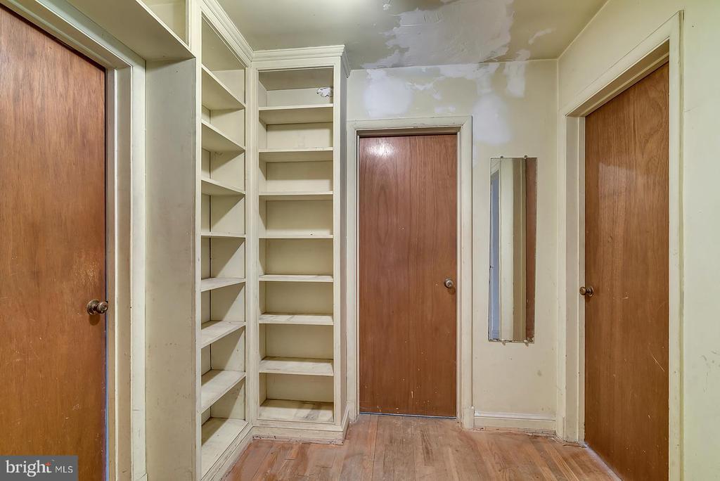 Bedroom Hallway - 7358 SHENANDOAH AVE, ANNANDALE