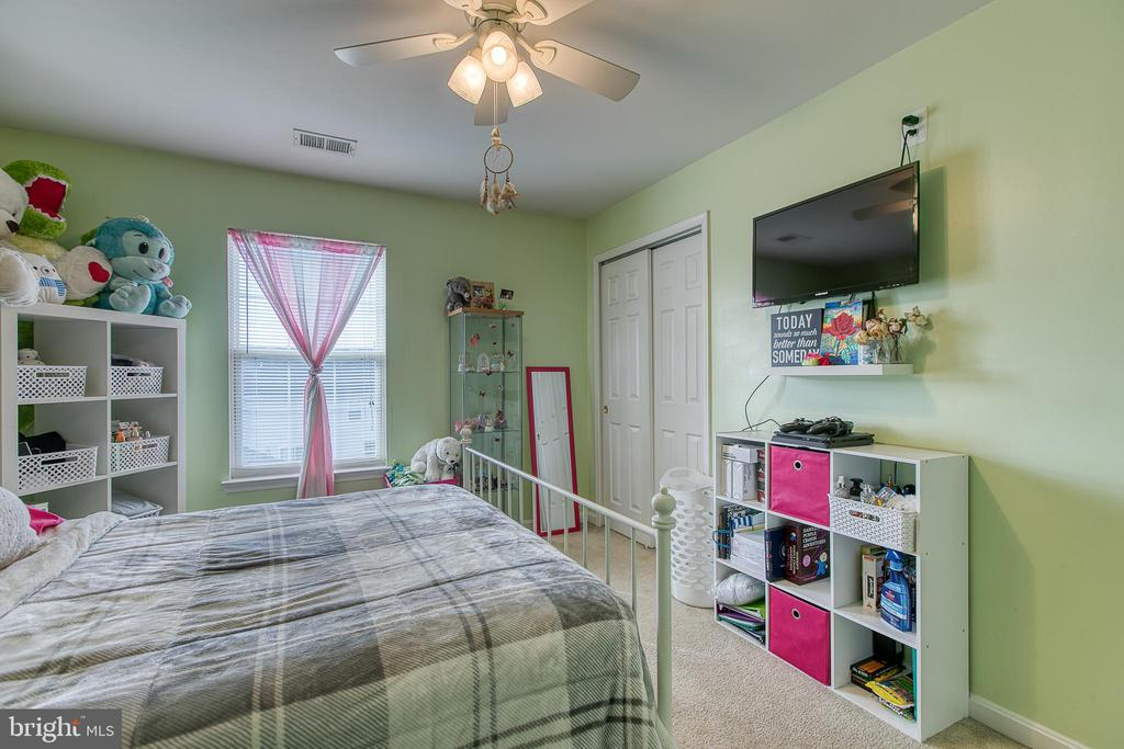 Bedroom 2 with Ceiling Fan - 1819 COTTON TAIL DR, CULPEPER