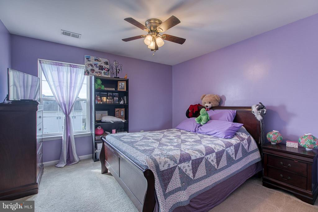 Bedroom 3 with Ceiling Fan - 1819 COTTON TAIL DR, CULPEPER