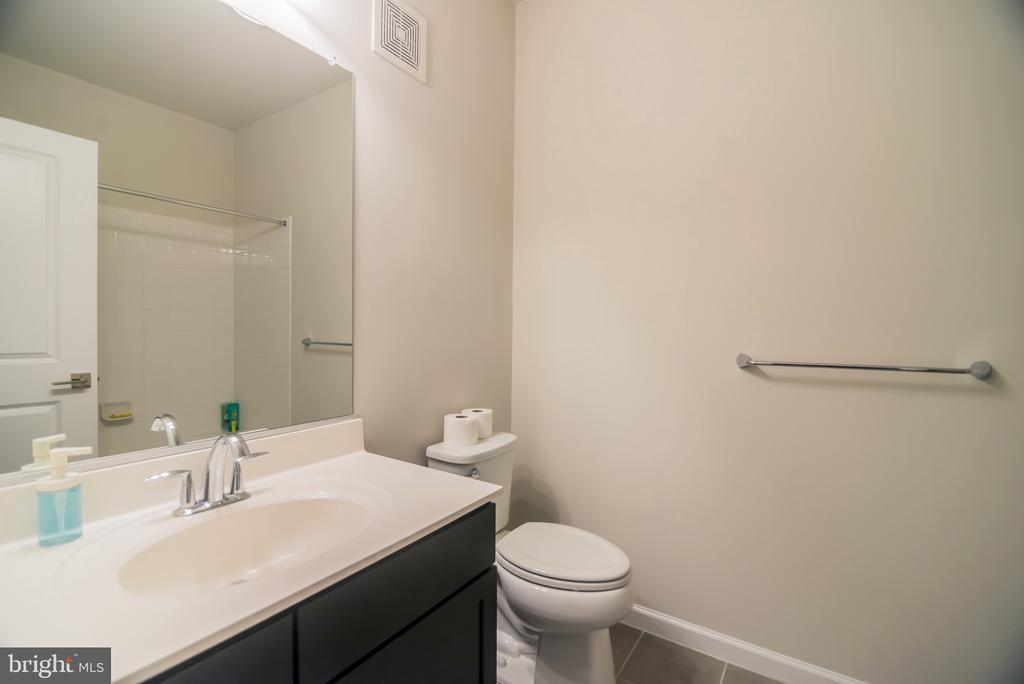 - 23266 SOUTHDOWN MANOR TER #113, ASHBURN