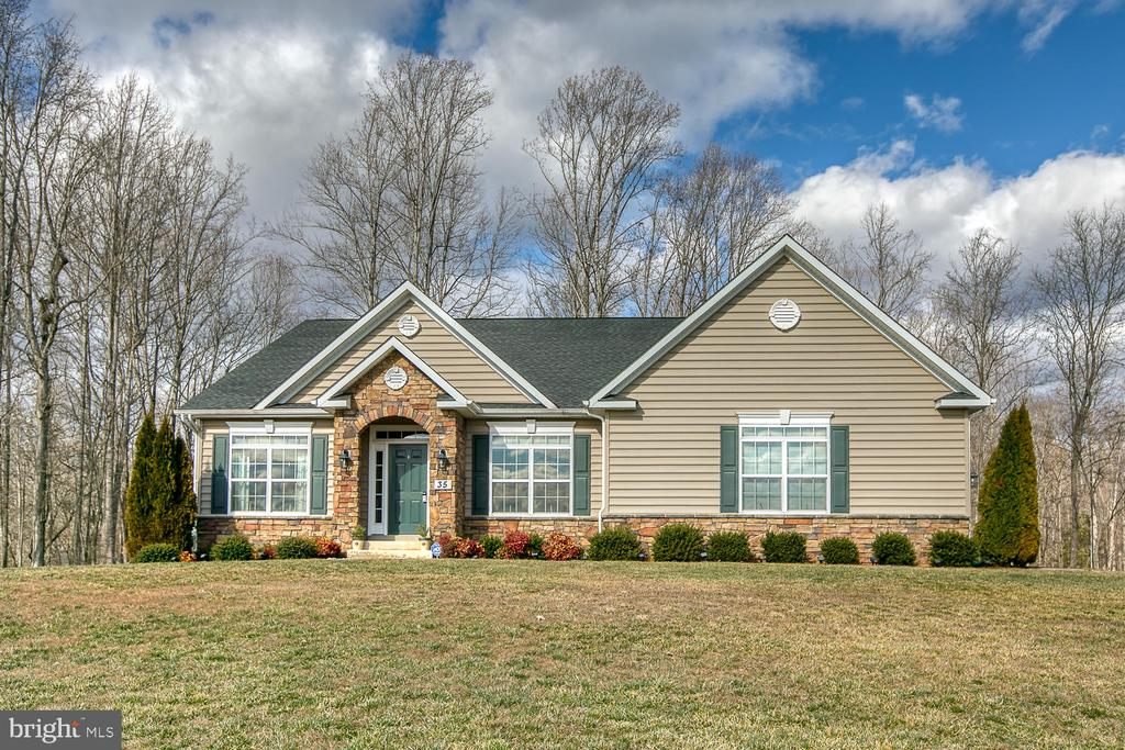 Welcome Home! - 35 DONOVAN LN, STAFFORD