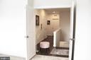 Master Suite w/Double Door Entry - 23100 LAVALLETTE SQ, BRAMBLETON