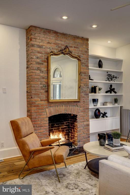 Gas Fireplace on First Floor - 2113 S ST NW, WASHINGTON