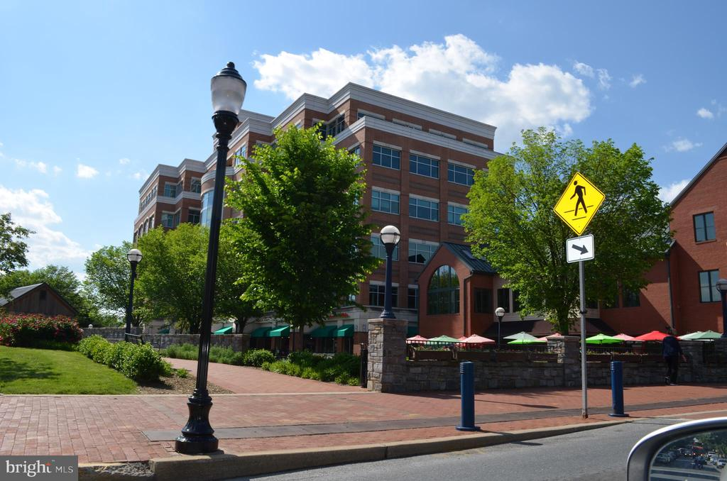 Walk to everything! - 240 E 2ND ST, FREDERICK