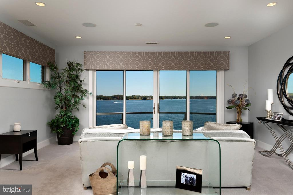 Master bedroom overlooking the South River - 740 S RIVER LANDING RD, EDGEWATER