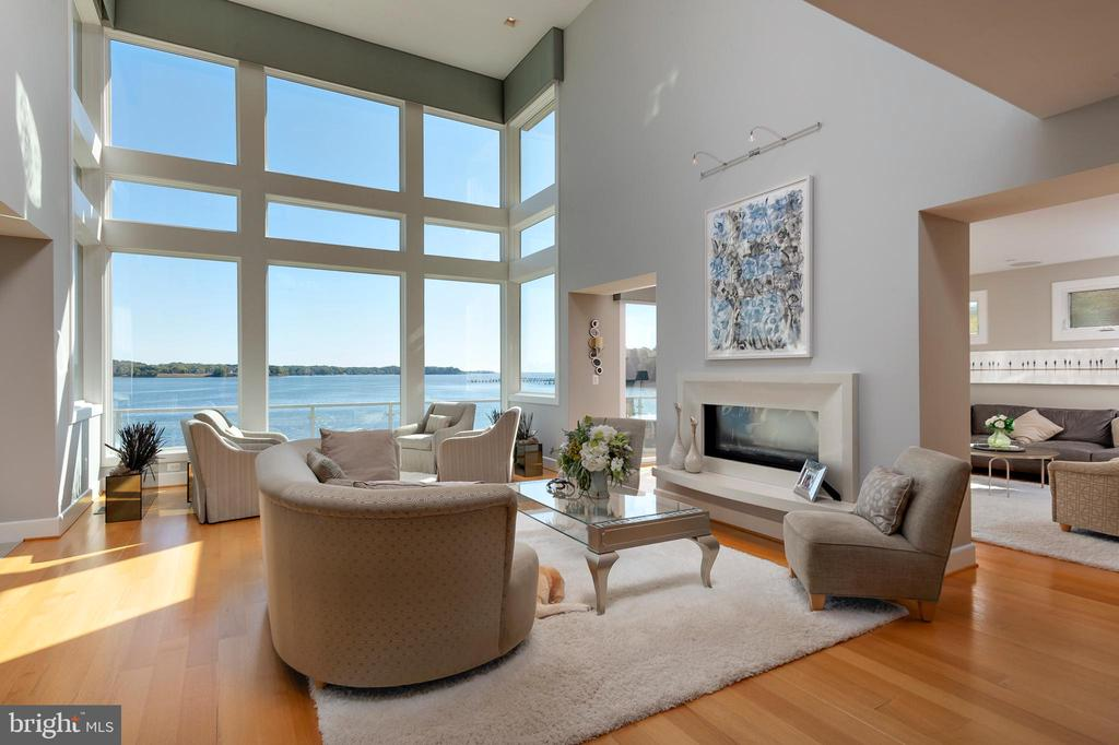 Living room - 740 S RIVER LANDING RD, EDGEWATER