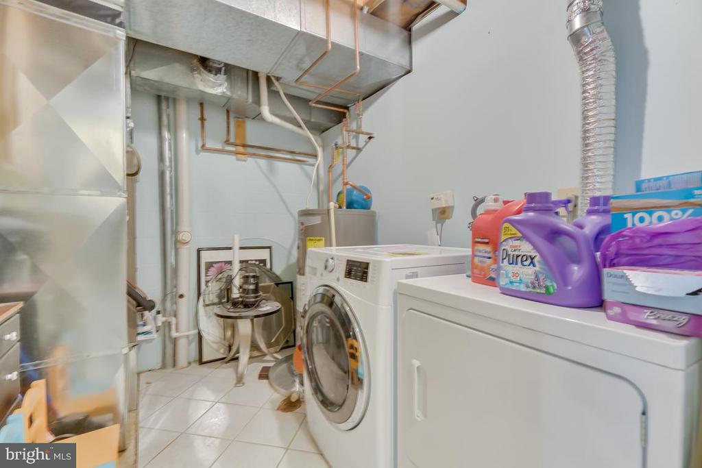 basement laundry - 2037 N CAMERON ST, ARLINGTON
