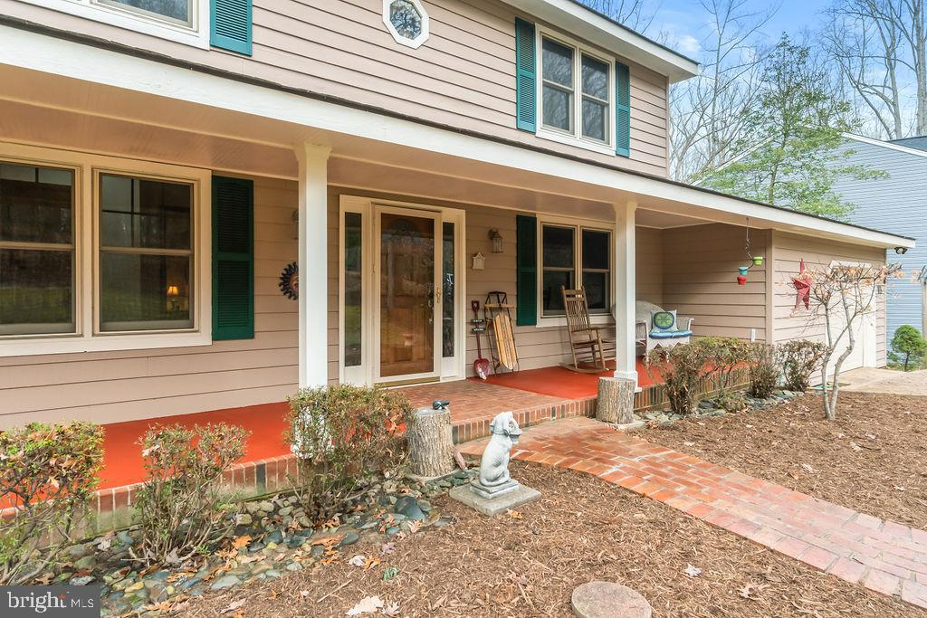 Front Porch on the home. - 115 GOLD RUSH DR, LOCUST GROVE