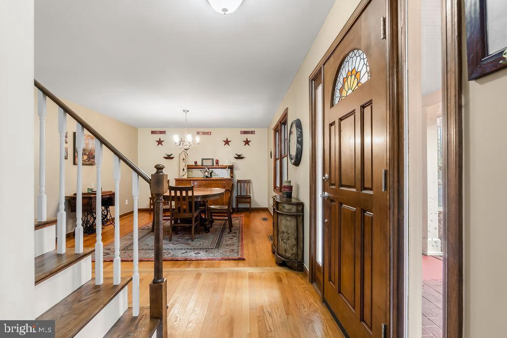 Foyer and Dining Room. - 115 GOLD RUSH DR, LOCUST GROVE
