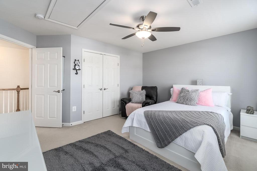 Large Spacious Bedroom. - 64 SANCTUARY LN, STAFFORD