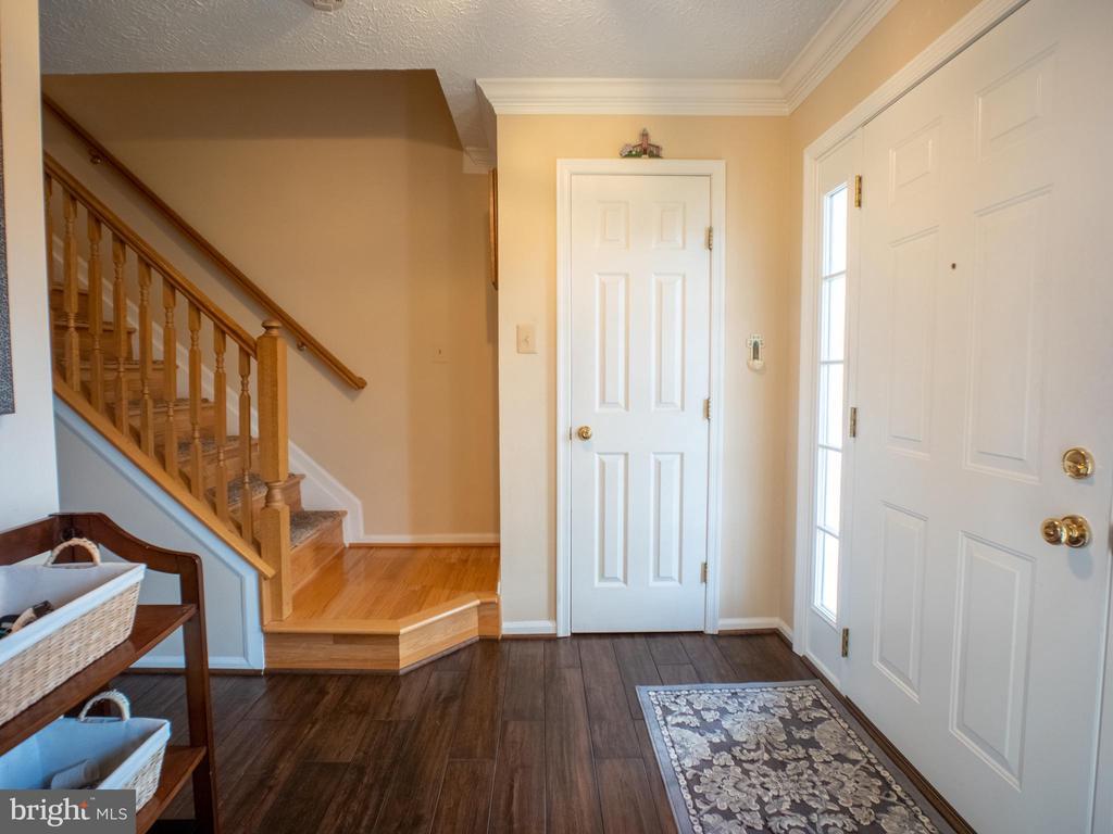 Foyer - 7045 ALLINGTON MANOR CIR E, FREDERICK