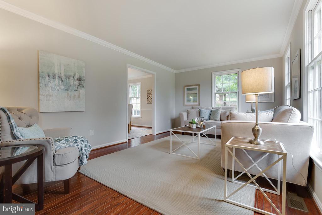 Living Room - 4003 LATHAM DR, HAYMARKET