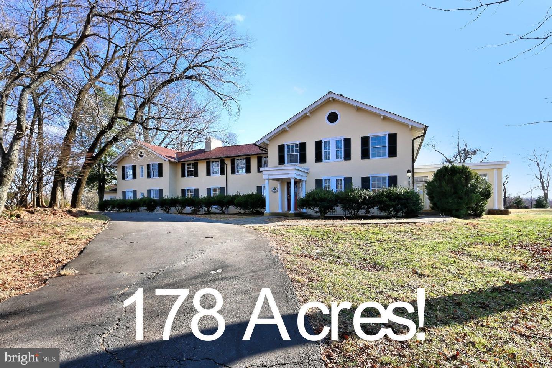 Single Family Homes 為 出售 在 Warrenton, 弗吉尼亞州 20186 美國