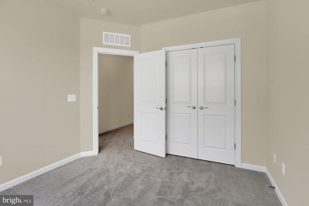 Similar Home - 20696 WOOD QUAY DR, STERLING