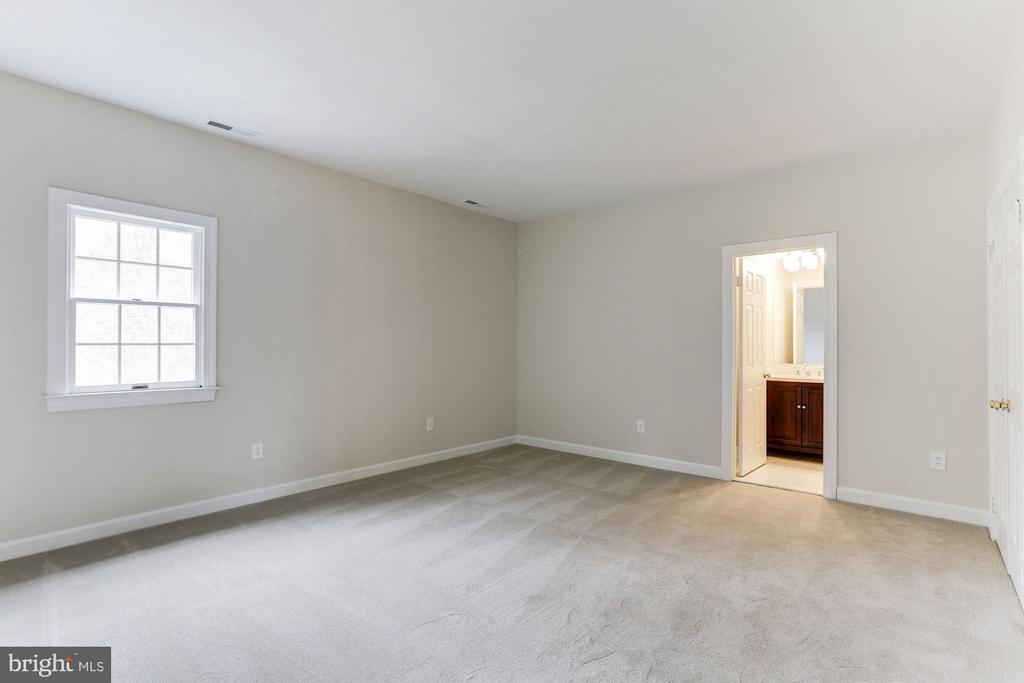 Second Bedroom - 7812 SWINKS MILL CT, MCLEAN