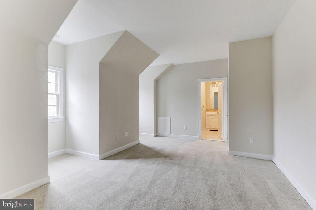 Fourth Bedroom - 7812 SWINKS MILL CT, MCLEAN