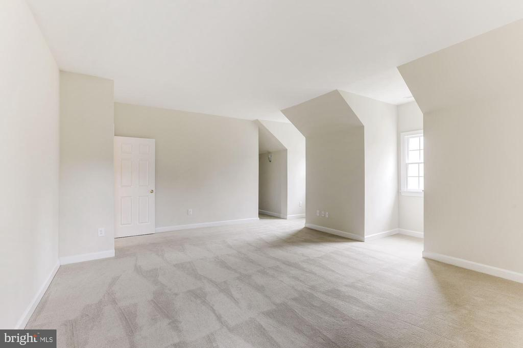 Fifth Bedroom - 7812 SWINKS MILL CT, MCLEAN
