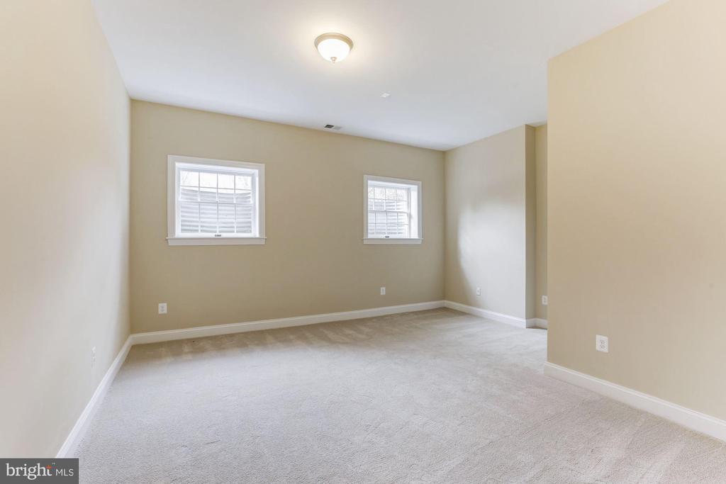 Sixth Bedroom - 7812 SWINKS MILL CT, MCLEAN