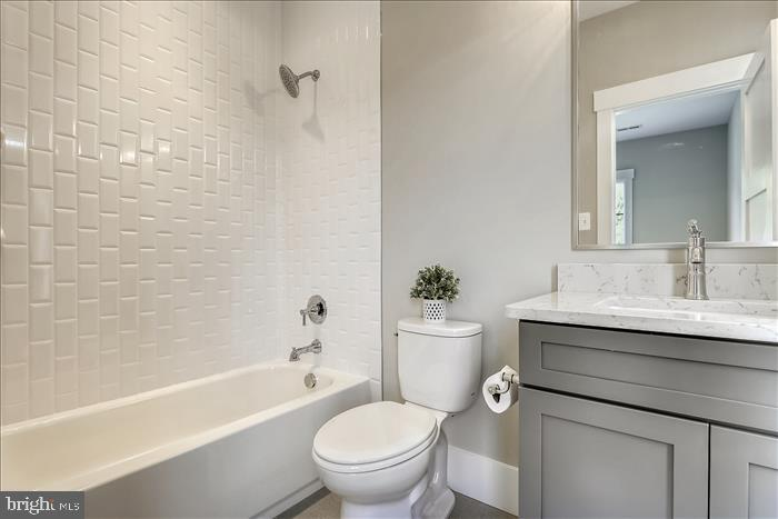 Builder's previously completed home - Bathroom - 2103 GREENWICH ST, FALLS CHURCH