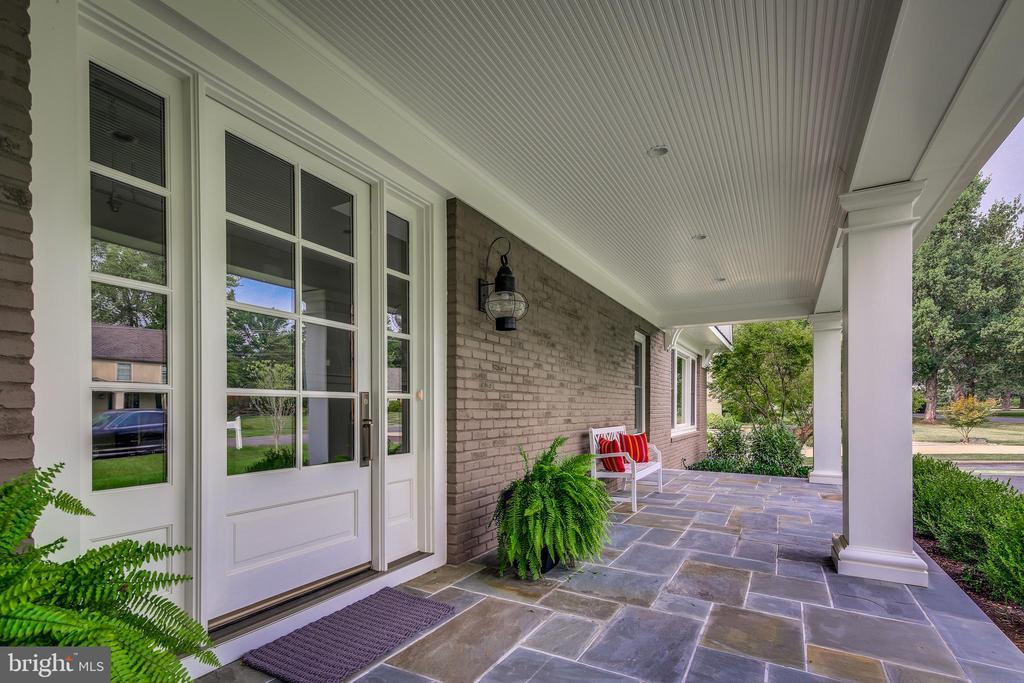 That inviting porch you've been wanting. - 11134 STEPHALEE LN, NORTH BETHESDA