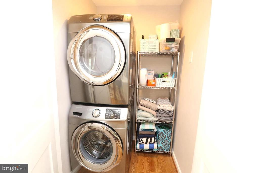 New high end washer & Dryer - 1804 S NELSON ST, ARLINGTON