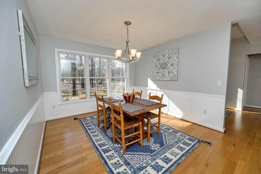 Expansive  dining room - 104 CEDAR CT, LOCUST GROVE
