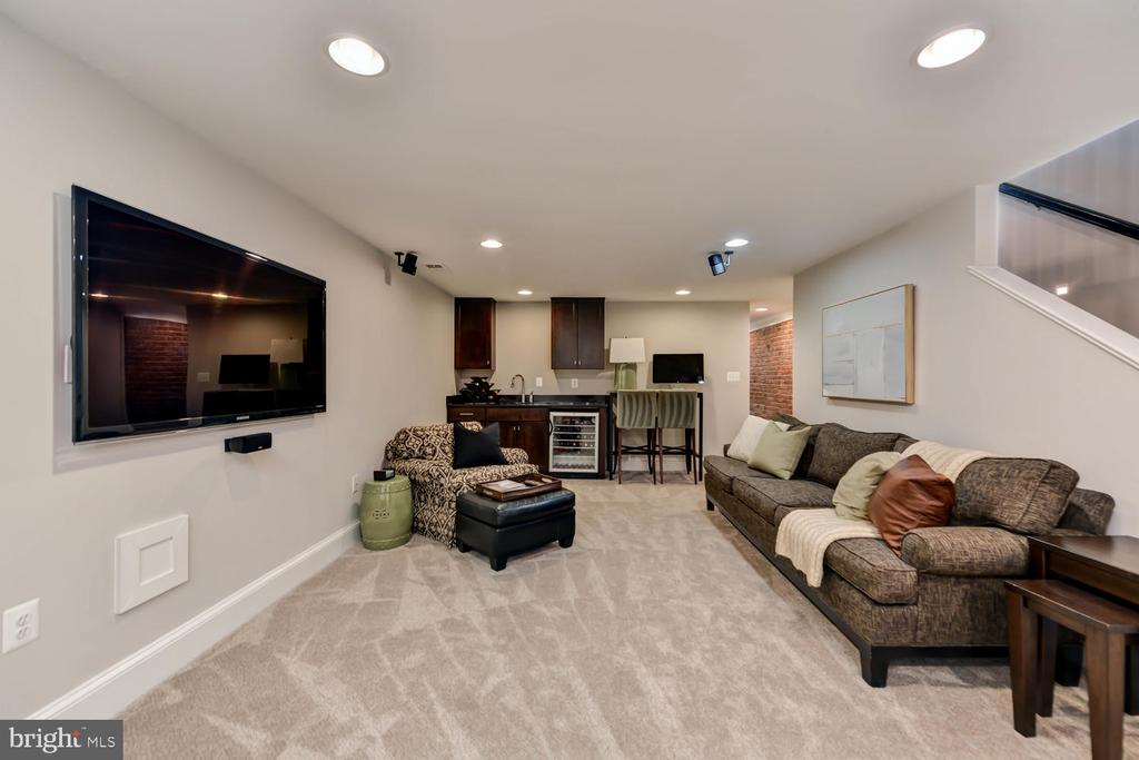 Family room - 223 11TH ST SE, WASHINGTON