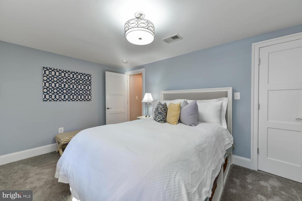 Fourth bedroom - 223 11TH ST SE, WASHINGTON