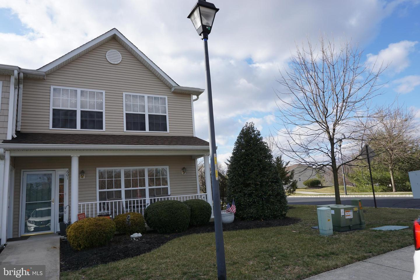 Photo of home for sale at 601 Sunflower Way, Mantua NJ
