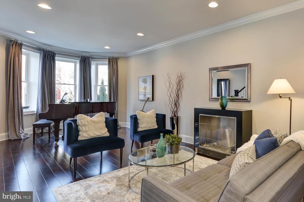 Living room - 223 11TH ST SE, WASHINGTON
