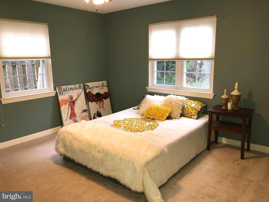 Large Master Bedroom - 1804 S NELSON ST, ARLINGTON