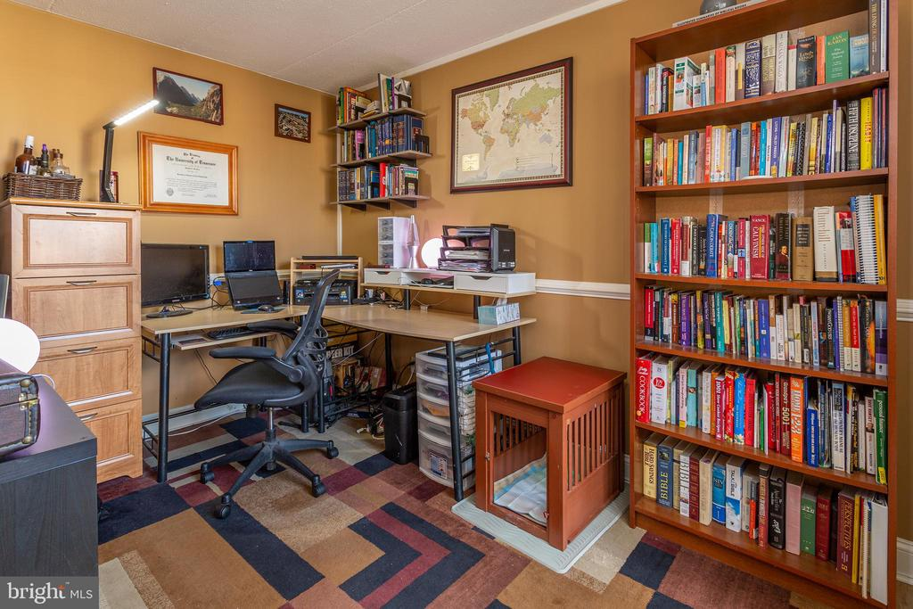 Office / Study / Den - 2636 FORT FARNSWORTH RD #125, ALEXANDRIA