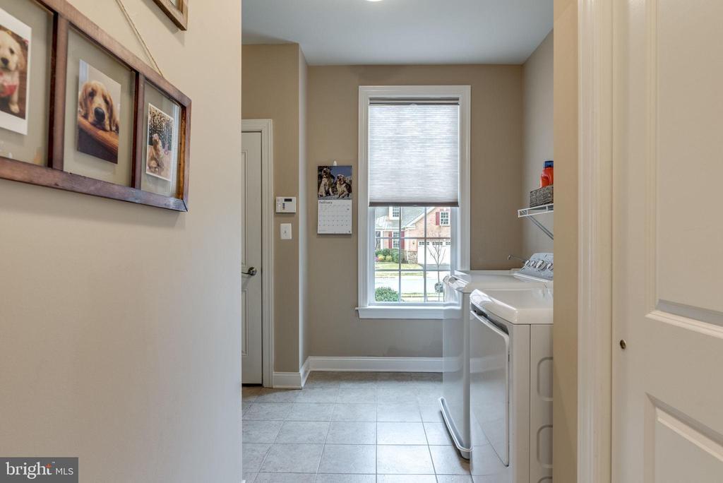 Laundry room and garage access. - 44629 GRANITE RUN TER, ASHBURN