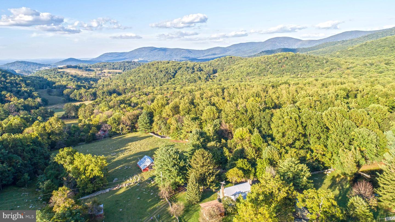 Single Family Homes pour l Vente à Bentonville, Virginia 22610 États-Unis