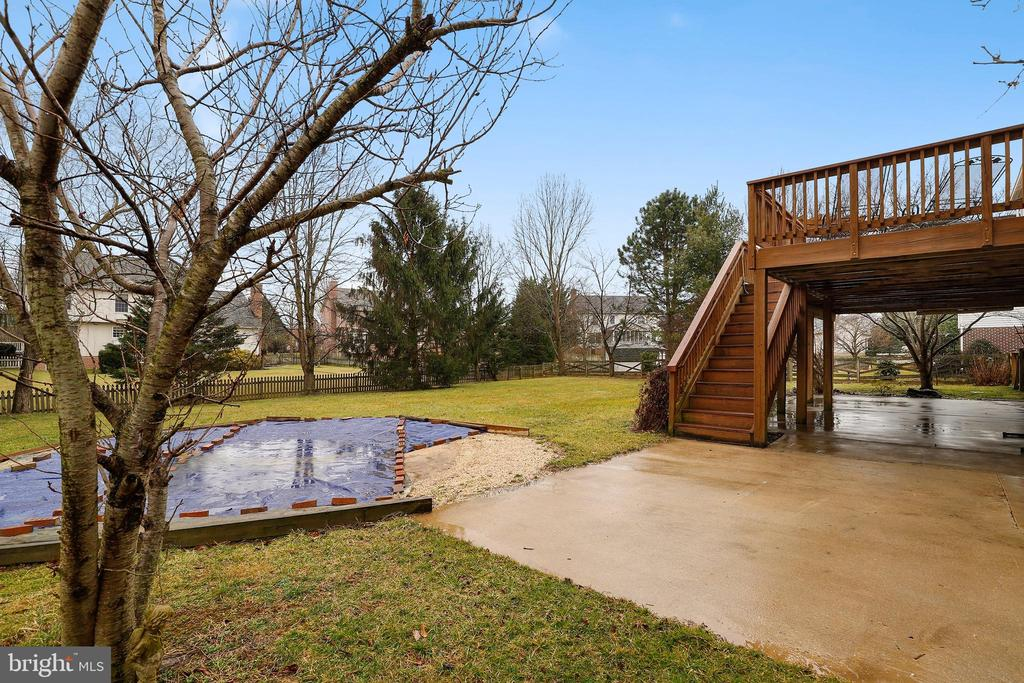- 304 KENWOOD CT, WALKERSVILLE